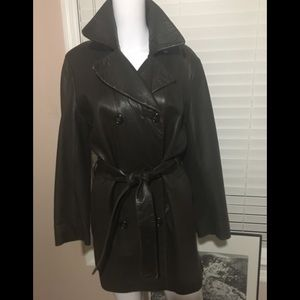 Vintage  ANDREW MARC  NY Brown leather jacket.